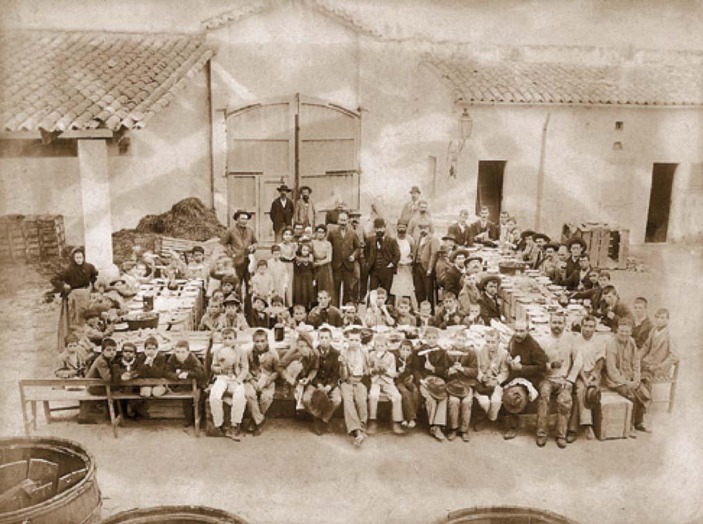 historia-vidrio-soplado-trabajadores-fabrica-gordiola